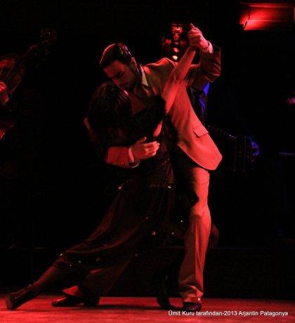 El Querandi Restorantta Tango gösterisi